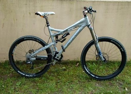 Vélo avant: Intense 6.6 - super bike d'enduro