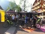 Gros rassemblement de riders Intense