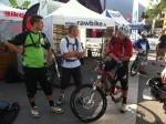 Une partie du Crew: Nico et Narbaix, avec Remy l'un des trois riders du team